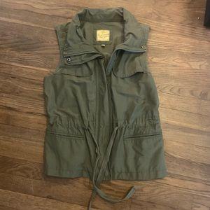 Green vest jr. Large